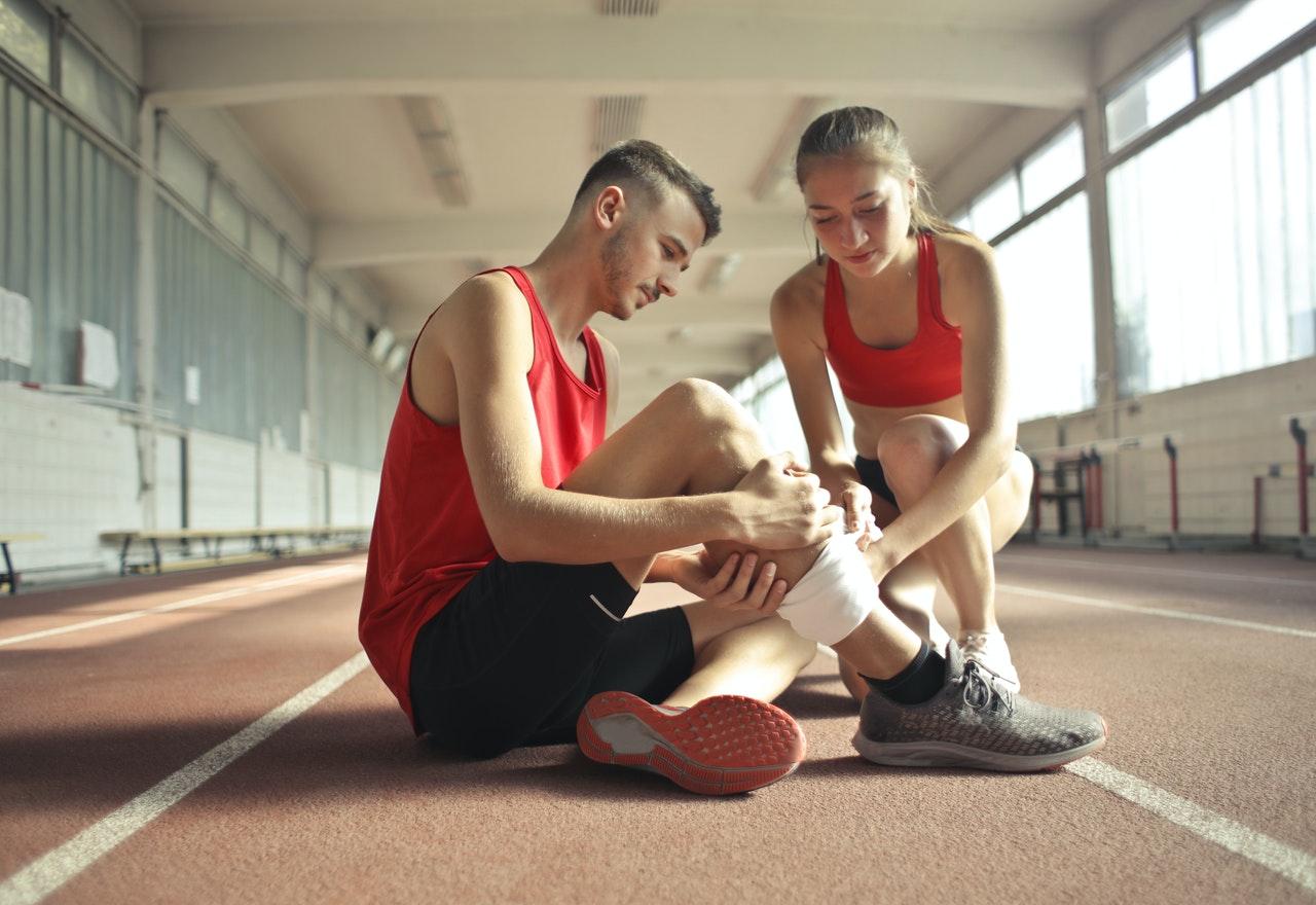 Una gran opción para acelerar la recuperación tras una lesión es aplicarse hielo